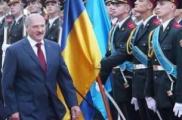 Лукашенко посоветовал забрать Януковича в Украину