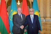 Лукашенко рассказал про «одну сторону баррикад» с Казахстаном
