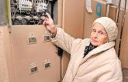 Электрики оставили 90-летнюю гомельчанку без пенсии