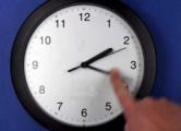 Отказ от перевода часов вредит бизнесу