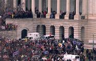 Сторонники Трампа ворвались в здание конгресса США