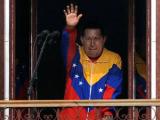 Чавес вернулся на родину после курса химиотерапии на Кубе