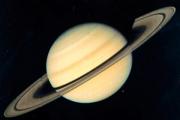 Ученые объяснили строение колец Сатурна