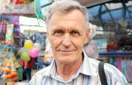 Житель Барановичей вышел с плакатом за отставку Лукашенко