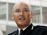 Глава Скотланд-Ярда ушел в отставку из за скандала с News Of The World
