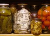 «Народная газета»: Если хранить доллары дома - их съест грибок