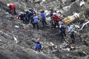 Специалисты заявили о ручном управлении падением лайнера Germanwings