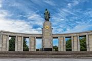 В Берлине мужчина помочился на мемориал павшим советским воинам