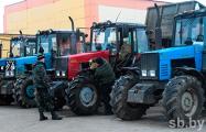 Гомельских «спасателей» отправили чистить мехдворы перед приездом Лукашенко