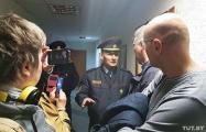 Стычки в исполкоме: жители Минска вызвали милицию на замглавы района