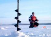Пьяный бесправник устроил дрифт на льду озера под Ивье