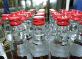 Минчанин хранил в гараже 1500 бутылок нелегального алкоголя