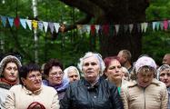 В лесу и при свечах: как проходит служба в самом таинственном костеле Беларуси