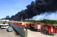 Пожар на нефтебазе под Киевом усилился: есть новый источник возгорания
