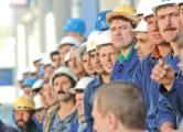 На заводе в Гомеле сократили рабочий день вдвое