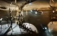 В Минске в районе Юго-Запад марширует огромная колонна