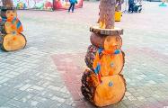 Фотофакт: В Витебской области «слепили» оригинального снеговика