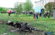 Во время падения самолета в Барановичах пострадал местный житель