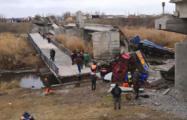 В РФ обрушился 120-метровый пролет моста