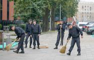 Фотофакт: Как милиция и бюджетники отмывают стадион «Динамо» перед открытием
