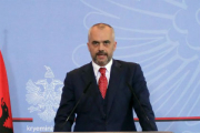В резиденции премьер-министра Албании обнаружили заминированный автомобиль