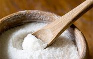 Диетологи выяснили, как связаны соль и чувство голода