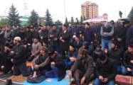 Протесты в Ингушетии: силовики молятся вместе с демонстрантами