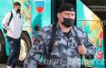 Сборную России в Москве встретил отряд ОМОНа, микроавтобус Росгвардии и пять полицейских машин