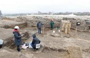 Около Старого замка в Гродно археологи нашли старинное золотое кольцо
