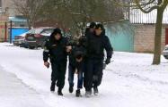 В Барановичах женщины уговорили «террориста» отдать им гранату