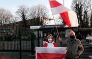 В Бельгии белорусских футболистов встречали под бело-красно-белым флагом