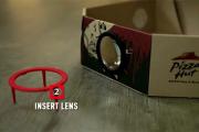 Из коробки для пиццы сделали проектор фильмов
