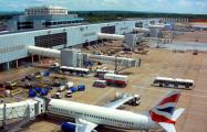 Аэропорт Хитроу снова приостановил полеты из-за дрона