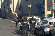 В Каннах полиция силой усмирила слабоумную американку