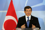 Давутоглу возложил на ИГ ответственность за обстрел турецкого города Килис