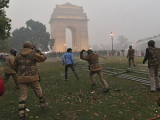 Из-за беспорядков в столице Индии перекрыли дороги