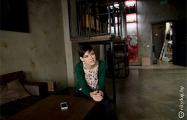 Девушка-бармен: Студенты пьют чай дома, а не тратят деньги в кафе