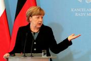 Меркель анонсировала пересмотр санкций против России в июне