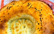 Как переводчик из Душанбе печет хлеб по старым рецептам под Ивьем