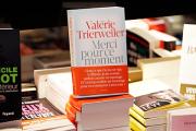 Книга Триервейлер о жизни с Олландом сделала ее богаче президента
