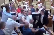 В РФ в ульяновском парламенте подрались коммунисты и единороссы