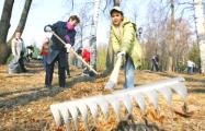 Минчанин: Власти сами загнали страну в угол, а теперь люди должны бесплатно на них работать