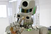 Робот Федор научился работать на складе