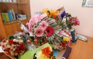 «Денег, собранных на цветы учителям, хватит на лимузин и не только»