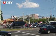 Видеофакт: Катафалк с телом Александра Тарайковского проехал через «Пушкинскую»