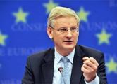 Карл Бильдт: Боевики и Москва больше не воспринимают Минские соглашения