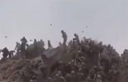Рукопашный бой военных на границе двух ядерных держав попал на видео