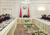 Вопросы дальнейшего экономического развития страны обсуждают на совещании у Лукашенко