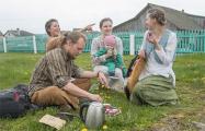 «Бросили Минск и уехали в деревню»