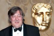 Стивен Фрай признался в употреблении кокаина в Букингемском дворце